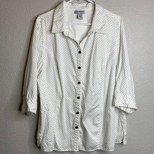White button-up with black dots 1x